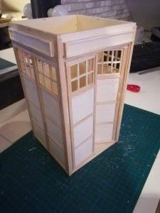 DIY Mini TARDIS - Teil 3.12